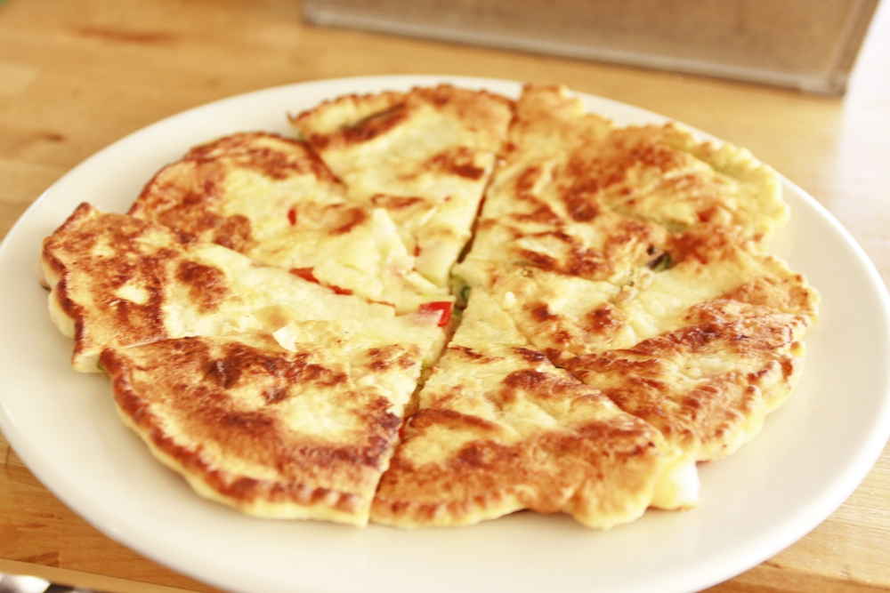 Haemul Pajeon (Korean Seafood and Scallion Pancakes) on numnums.com