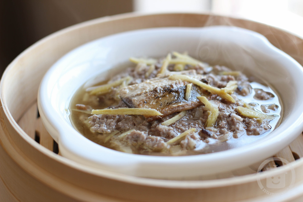 charles phan\'s ground pork with salted fish (hom yu)