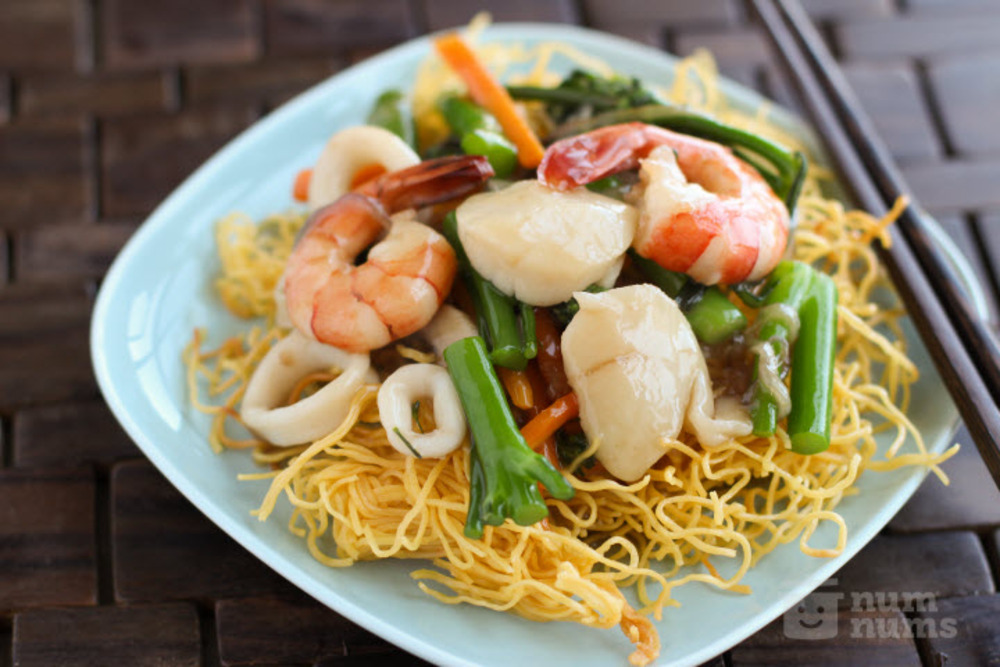 charles phan\'s crispy egg noodles with seafood
