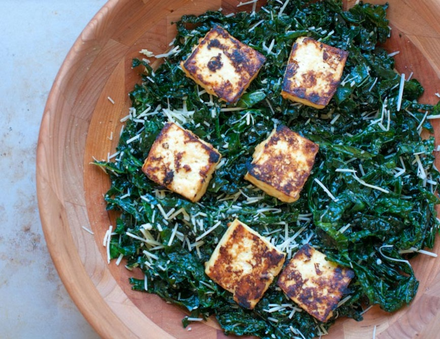 miso kale salad with miso roasted tofu on numnums.com